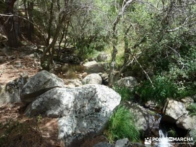 Descendiendo el Río Aceña; escapada tematica accesorios para senderismo excursiones en cuenca